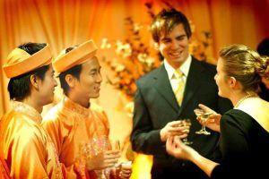 Cặp đôi đồng tính gốc Việt hạnh phúc sau 13 năm về chung nhà