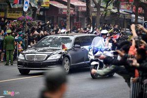 Đoàn xe ông Kim Jong-un về tới khách sạn Melia