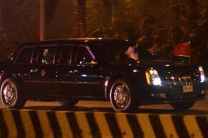 Đoàn xe chở Tổng thống Mỹ rời sân bay Nội Bài về khách sạn JW Marriott
