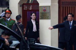 Video em gái Chủ tịch Kim Jong-un tháp tùng anh trai thăm Đại sứ Triều Tiên ở Hà Nội