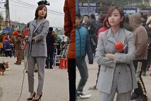 Dân tình 'ngất ngây' với vẻ xinh đẹp của nữ phóng viên Hàn Quốc