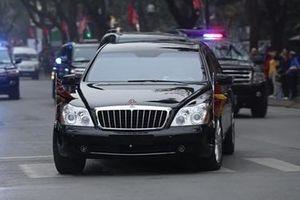 Chủ tịch Kim Jong-Un thăm Đại sứ quán Triều Tiên