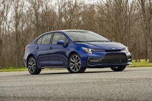 Toyota Corolla 2020 ra mắt nhiều thay đổi, giá tăng 800 USD