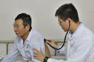 Người thầy 2 trong 1: 'Nghiên cứu khoa học và chữa bệnh là máu của tôi'