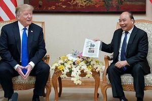Đến Việt Nam, Tổng thống Donald Trump thấy 'như được trở về nhà'!