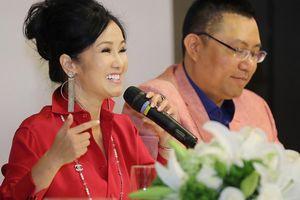 Hồng Nhung vượt cú sốc hôn nhân đi dạy học