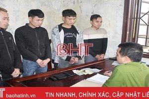 Công an Can Lộc bắt quả tang 4 đối tượng đánh bạc