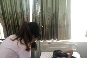 Uống trà sữa, 16 học sinh tiểu học ở Quảng Nam nhập viện vì ngộ độc