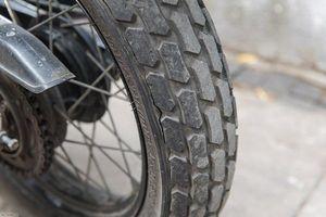 Dấu hiệu nhận biết cần thay lốp xe máy ngay lập tức
