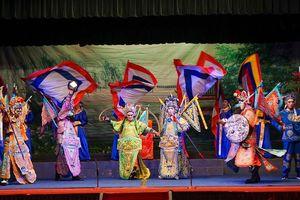 Thăng hoa với chương trình 'Cải lương tuồng cổ Việt Nam và Triều kịch Quảng Đông Trung Quốc'