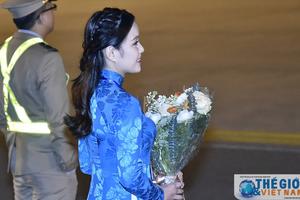 'Ngoại giao tặng hoa' cho nguyên thủ quốc gia