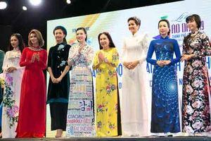 H'Hen Niê trở thành đại sứ cho Lễ hội Áo dài TP.HCM 2019