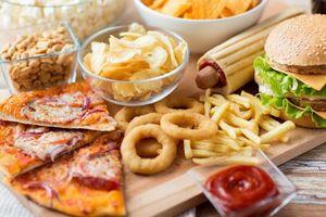 6 loại thực phẩm nên cắt bỏ khỏi chế độ ăn nếu không muốn gây hại cho sức khỏe