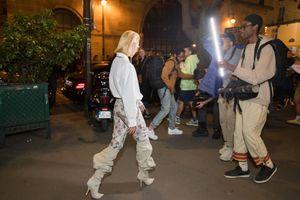 Mix quần hoa với boots 'lùng nhùng', Quỳnh Anh Shyn chiếm trọn spotlight tại Paris Fashion Week 2019