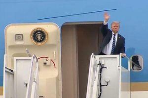 Chủ tịch Kim tươi cười chào tạm biệt Tổng thống Trump sau thượng đỉnh