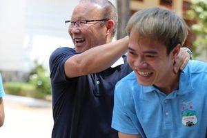 Mang Văn Toàn so sánh Hồng Duy, HLV Park Hang-seo lại đưa ra cái kết bất ngờ...