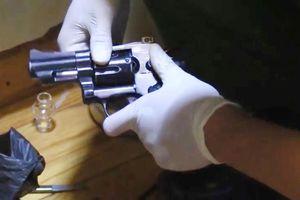 Bắt nhóm mua bán ma túy tàng trữ súng đạn quân dụng