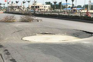 Hố tử thần bất ngờ xuất hiện trên quốc lộ ở Quảng Ninh