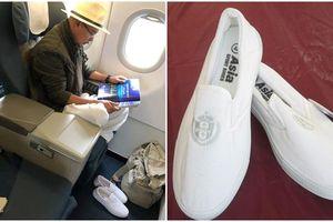 Ông Đặng Lê Nguyên Vũ hỏi 'Tiền nhiều để làm gì?' trong khi bản thân đi đôi giày bảo hộ lao động giá 75.000 đồng