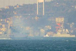 Chiến hạm mang Tomahawk rời Biển Đen, đối mặt tàu Nga