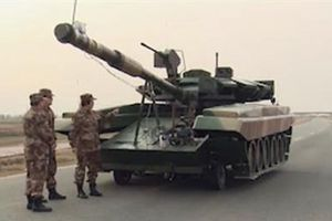 Trung Quốc chế tạo mục tiêu mô phỏng xe tăng T-90