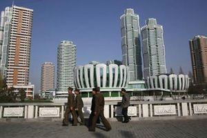 Ngắm nhà cao tầng trong khu phố hiện đại ở Triều Tiên