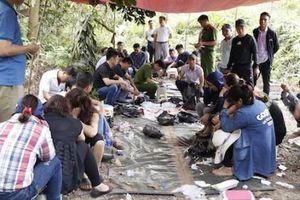 Khởi tố 17 đối tượng đánh 'xóc đĩa' trên núi ở Hà Tĩnh