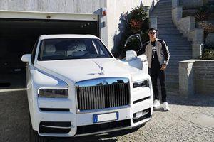 Ronaldo khoe siêu xe Rolls-Royce 10 tỷ cực chất