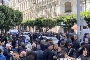 Algeria: Ứng cử viên đảng PVN nộp hồ sơ ứng cử tổng thống