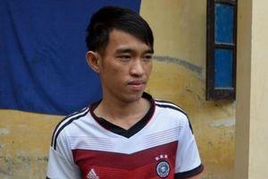 Nghệ An: Chồng đâm vợ giữa đường gây thương tích nặng