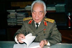 Đại tướng Võ Nguyên Giáp - Còn với non sông một chữ tình
