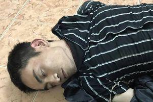 Nổ súng bắt nam thanh niên giả kẻ ngáo đá đi cướp trên xa lộ Hà Nội