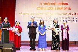 Giám đốc Học viện Nông nghiệp Việt Nam nhận Giải thưởng Kovalevskaia 2018