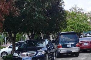 Lộ 'chủ nhân' của nhiều xe biển xanh đi tiệc cưới con chủ nhiệm UBKT Quảng Bình