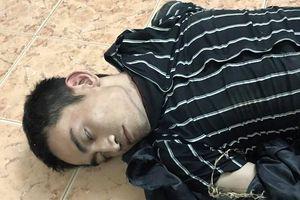 Nổ súng bắt nam thanh niên giả ngáo đá cướp tài sản