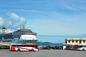Nhiều du thuyền hạng sang cập cảng Chân Mây năm 2019