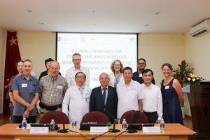 9 chuyên gia hàng đầu Úc hỗ trợ bác sĩ Nhi Đồng 1 nâng cao kỹ năng cấp cứu