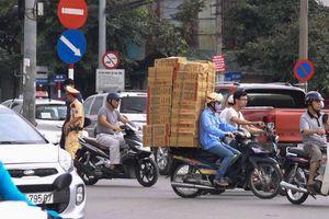 Xe máy ở Việt Nam đi kiểu 'láo nháo' là vì thứ tư duy này