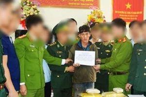 Nam thanh niên người Lào nhập cảnh lậu cùng 6 vạn viên ma túy