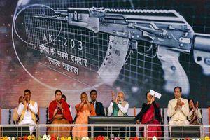 Biên giới căng thẳng, Ấn Độ 'cầu viện' Nga 750.000 súng trường AK mới