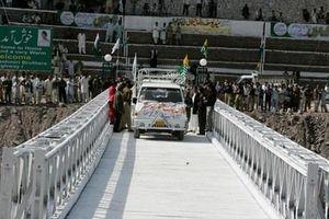 Ấn Độ và Pakistan nối lại hoạt động trao đổi hàng hóa tại Kashmir