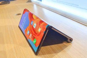 Cận cảnh Huawei Mate X màn hình gập giá hơn 60 triệu đồng tại Việt Nam