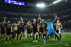 Thua 1-4 Ajax ngay tại Bernabeu, Real Madrid thành cựu vương