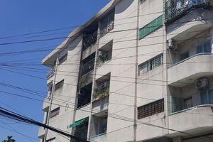 'Bà hỏa' thiêu rụi 3 căn hộ ở chung cư Hà Kiều, Q.Gò Vấp