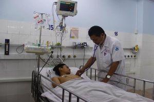 Bé trai 'hết thuốc chữa' bất ngờ được cứu sống bằng ECMO