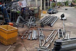 Một xưởng gia công cơ khí ở Cần Thơ gây cản trở giao thông, hành dân
