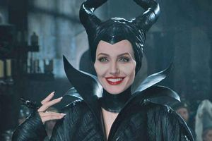 Disney bất ngờ cho 'Tiên hắc ám 2' của Angelina Jolie chiếu sớm