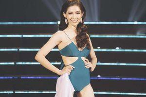 Đỗ Nhật Hà lộ vòng hai kém thon khi diễn bikini tại Hoa hậu Chuyển giới Quốc tế 2019
