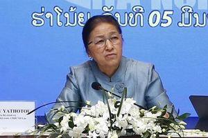 Chủ tịch Quốc hội Lào Pany Yathotou tham quan mô hình kinh tế tại Việt Nam