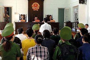 Phạt tù 15 bị cáo gây rối trật tự công cộng tại Bình Thuận